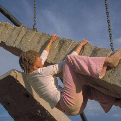 girl_climbing